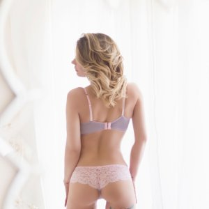 Soundouce escorts