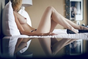 Thalie live escort in Holiday