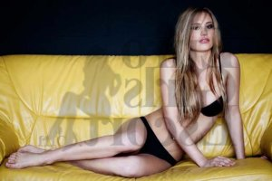 Aichetou escort girl in Roma